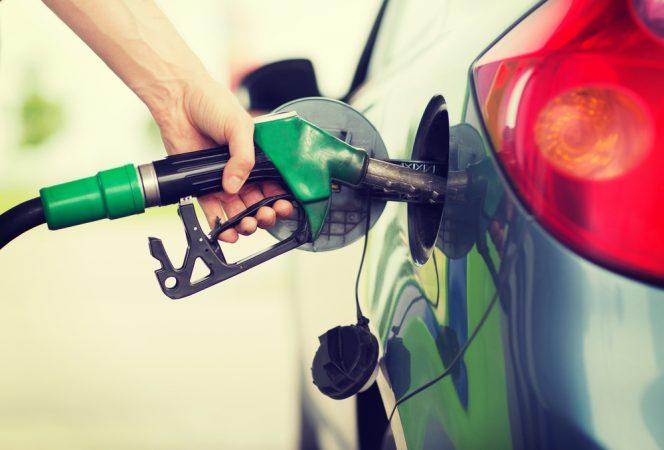 Donos de postos pedem para governo mudar tributação dos combustíveis