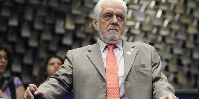 Investigações da PF ameaçam futuro eleitoral de Wagner, diz colunista
