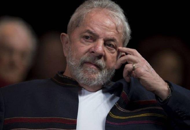 Lula perde direito a segurança, motorista e assessores