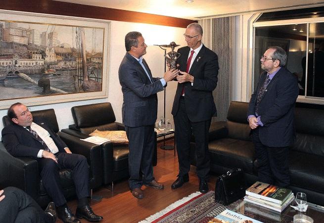 Governador recebe visita do embaixador de Israel
