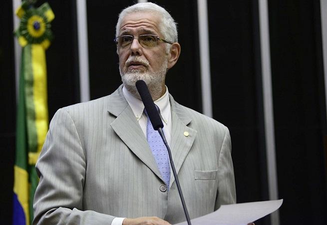 Deputado Jorge Solla avisa nas redes sociais que seu celular foi clonado