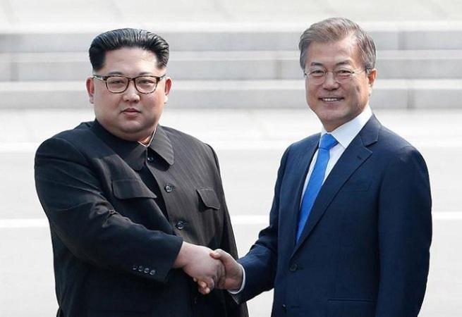 """Líderes das Coreias se comprometem em conquistar """"paz permanente"""""""