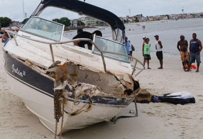 PF apreende lancha com explosivos na Baía de Todos-os-Santos