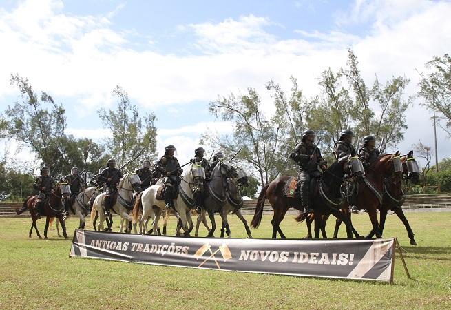 Esquadrão Montado da PM comemora Dia da Cavalaria