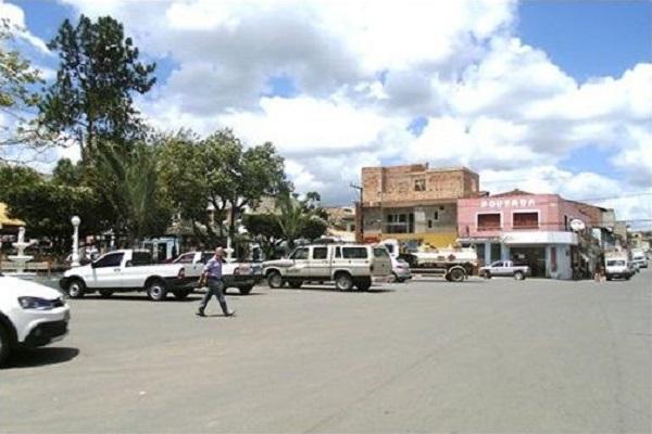 Prefeitura de Itagimirim abre concurso com 79 vagas e salários de até R$ 6,5 mil