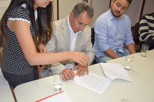 Sema assina termo de acordo coletivo para preservação do Rio Catolé