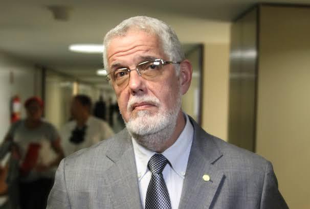 Solla sugere a ACM Neto que entregue o Hospital Municipal para o Estado