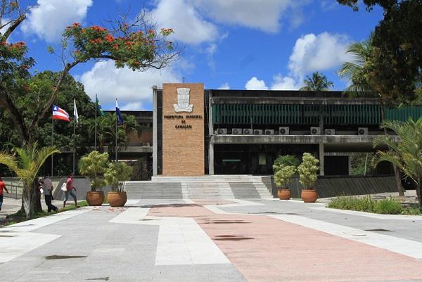 Prefeitura de Camaçari antecipa salário e 13º dos servidores para o dia 20