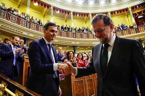 Primeiro-ministro da Espanha é destituído após escândalo de corrupção