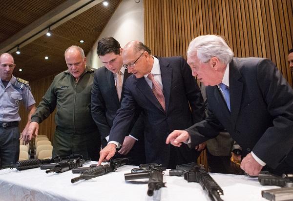 Alckmin volta a defender liberação de armas para produtores rurais
