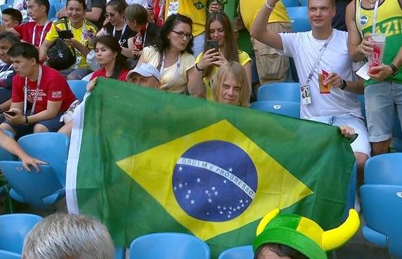 """Torcedor """"bruxo"""" diz que Brasil vai vencer a Bélgica por 3 a 1"""