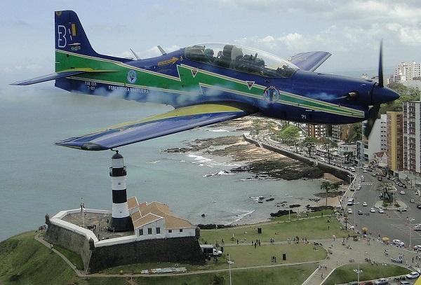 Esquadrilha da Fumaça fará apresentação em Salvador no sábado