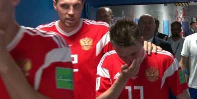 Médico da Rússia admite que jogadores inalaram amônia nos jogos da Copa