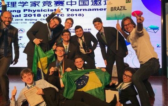 Estudantes brasileiros conquistam prata na Copa do Mundo de Física