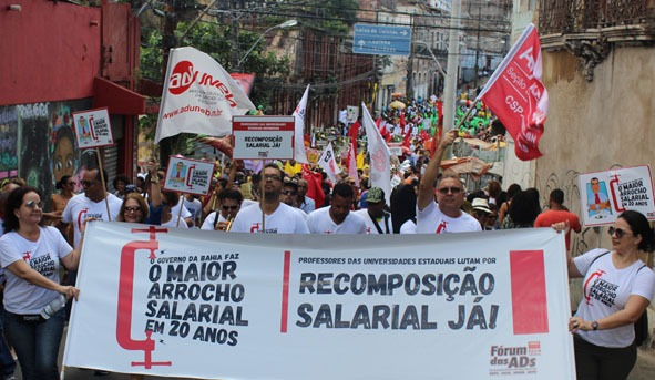 Professores denunciam crise na UNEB e prometem parar de 06 a 11 de agosto
