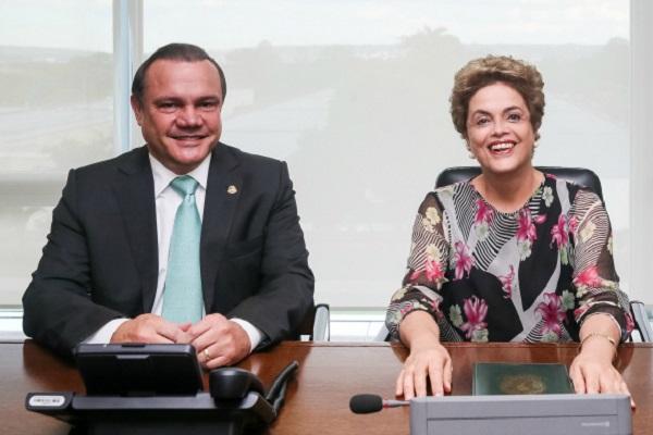 """PT faz alianças com """"golpistas"""" que apoiaram o impeachment"""