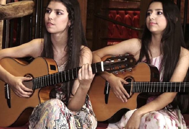 Dupla feminina faz música politizada e é comparada a Legião