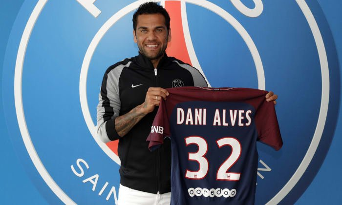 Daniel Alves critica futebol italiano e explica porque trocou a Juventus pelo PSG