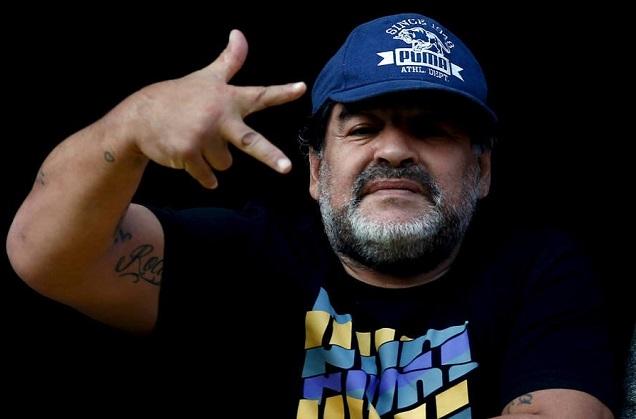 """Maradona completa 57 e diz que """"só Messi sabe jogar"""" na seleção argentina"""