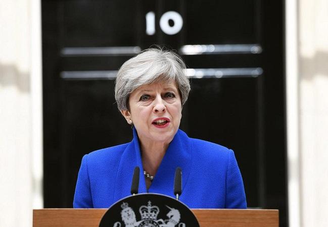 """Thereza May: """"Reino Unido sairá da União Europeia em março de 2019"""""""
