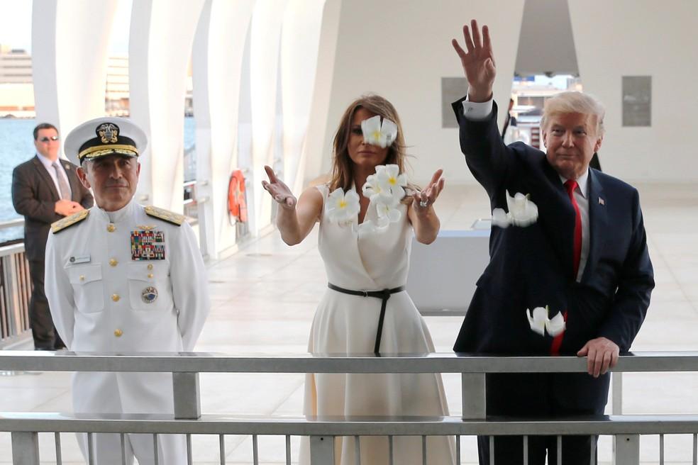 Donald Trump visita Pearl Harbor antes de embarcar para a Ásia