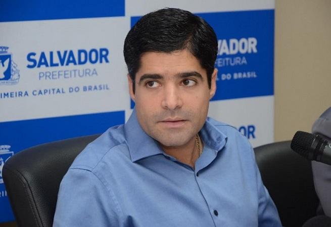 ACM Neto critica manifestantes que travam o trânsito na região da Lapa