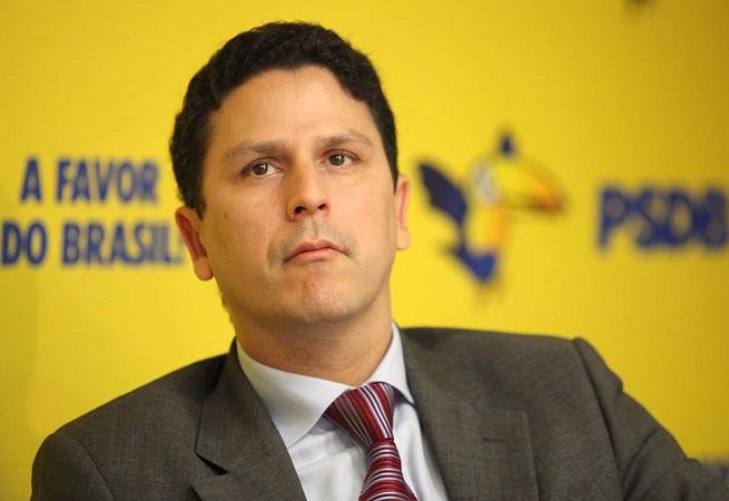 Ministro das Cidades, Bruno Araújo é primeiro tucano a entregar cargo a Temer