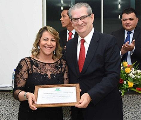 Desembargadora Cynthia Resende recebe Título de Cidadã de Mundo Novo