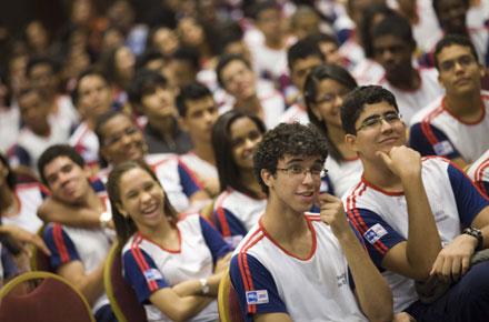 SESI Bahia inscreve para 410 bolsas gratuitas do ensino médio