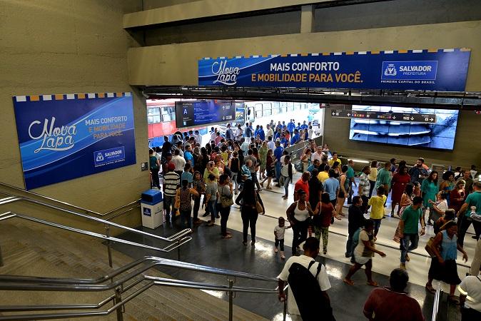 Centrais sindicais devem parar ônibus na Estação da Lapa nesta sexta