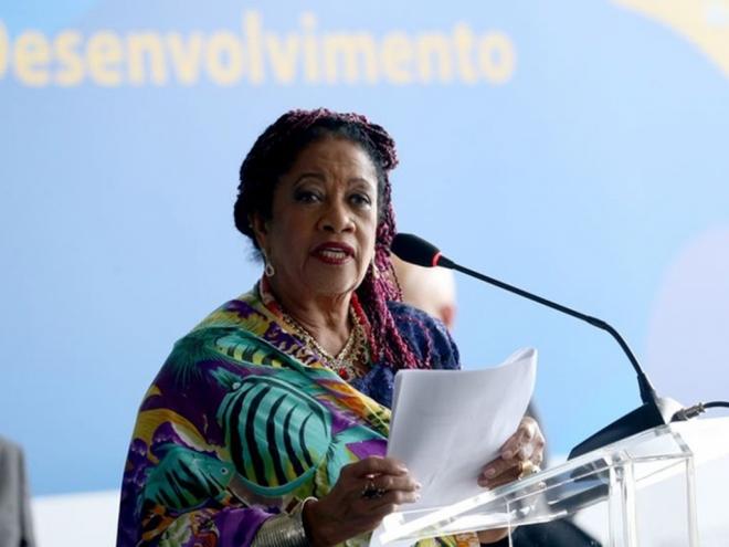 """Após polêmica sobre salário, ministra Luislinda Valois diz que """"é pobre"""""""