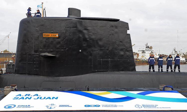 Submarino argentino com 44 tripulantes está desaparecido