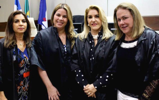 TRT5-BA dá posse a nova presidente e a mesa diretora para o próximo biênio
