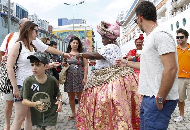 Cruzeiros podem dobrar as vendas do comércio no Centro Histórico de Salvador