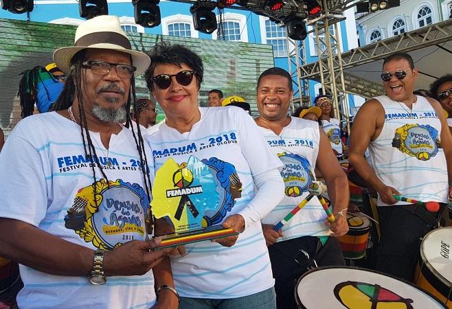 Luiza Maia é homenageada pelo Olodum durante o FEMADUM 2018
