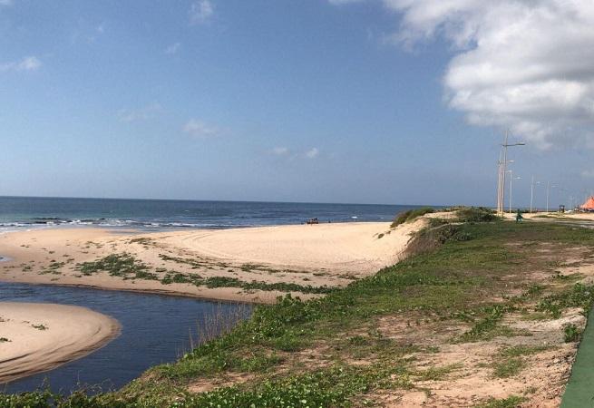 Heraldo Rocha cobra medida da Embasa para conter poluição de praia de Salvador