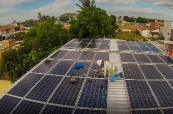 Governo diz que energia solar gera 13 mil empregos na Bahia