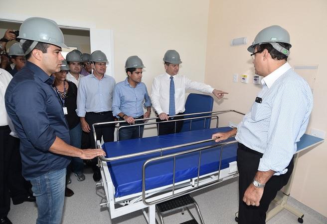 Ministro da Saúde visita obras do Hospital Municipal de Salvador