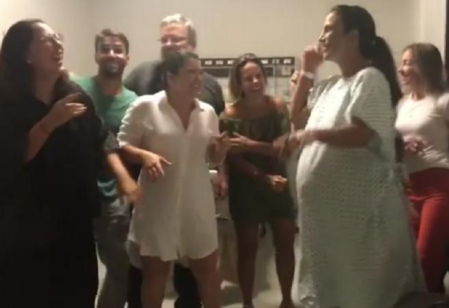 Gêmeas de Ivete Sangalo e Daniel Cady nascem em pleno Carnaval