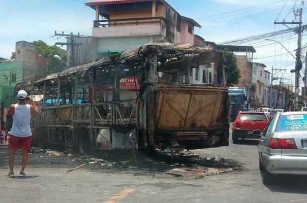 Após incêndio a ônibus 8516fa1aceb39