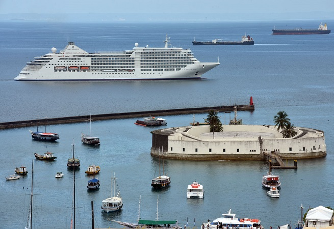Bahia lidera crescimento do turismo no Brasil, diz IBGE