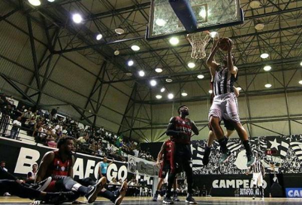 Universo/Vitória perde para o Botafogo no NBB