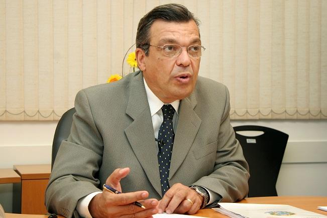 """A política de subsídios do governo do PT vai quebrar a Bahia"", critica Targino Machado"