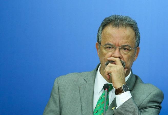 """Raul Jungmann: """"Brasil não tem política nacional de segurança pública"""""""