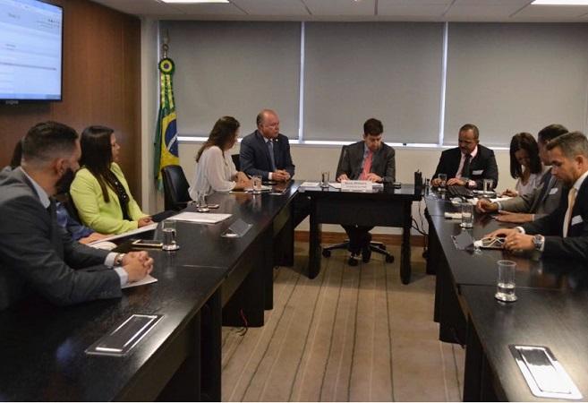 Elinaldo e Paulo Azi buscam recursos para Camaçari em Brasília