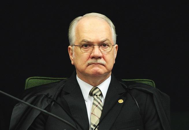 Fachin vai ouvir PGR para decidir se suspende prisão de Lula