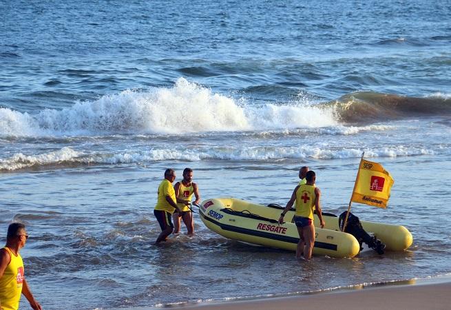 Salvamar registra 17 afogamentos após reabertura das praias em Salvador