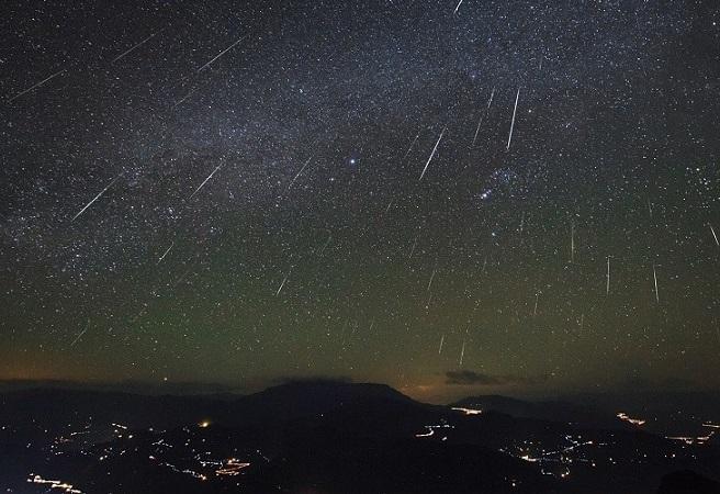 """Madrugada de terça para quarta terá """"chuva de meteoros"""""""