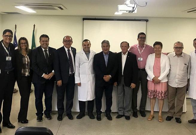 Hospital Roberto Santos promove encontro com deputados estaduais e federais