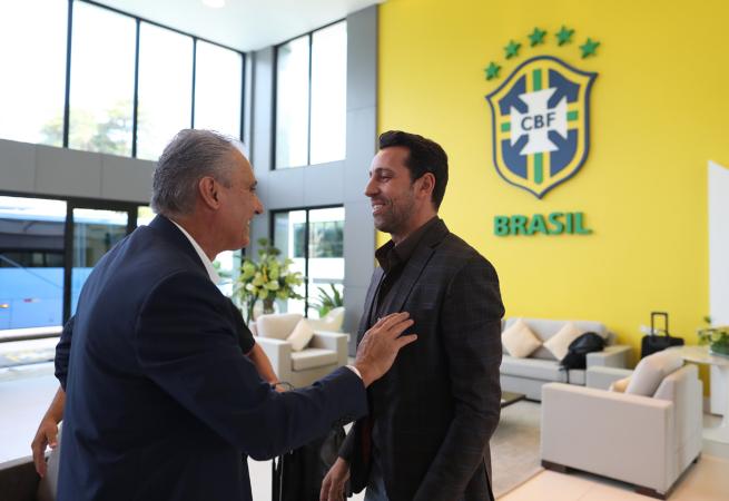 CBF oficializa convite para Tite permanecer na Seleção Brasileira